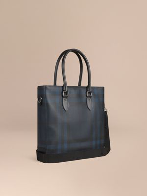 burberry purses outlet online 59kl  London Check Tote Bag Navy/black