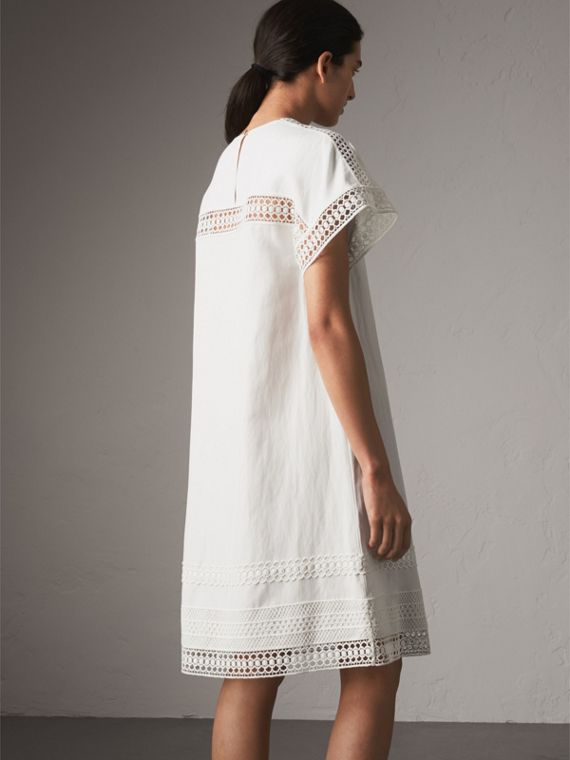 Short-sleeved Macramé Lace Detail Silk Blend Dress in White - Women | Burberry - cell image 2