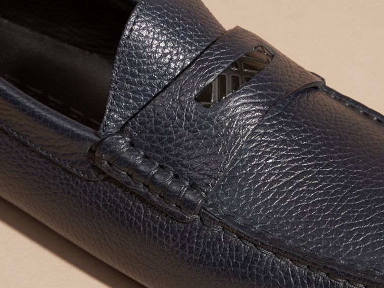 Grainy Leather Loafers with Engraved Check Detail Navy - cell image 1