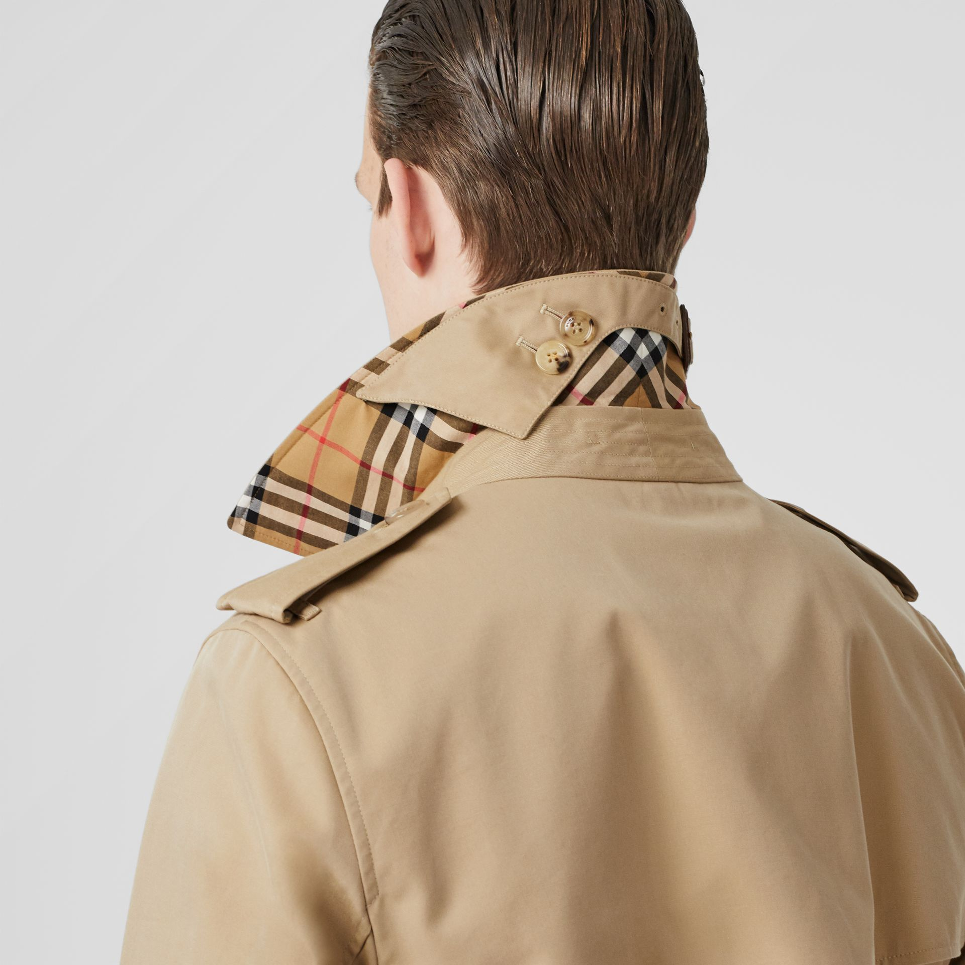 The Kensington Heritage Trench Coat in Honey - Men | Burberry Canada - gallery image 5
