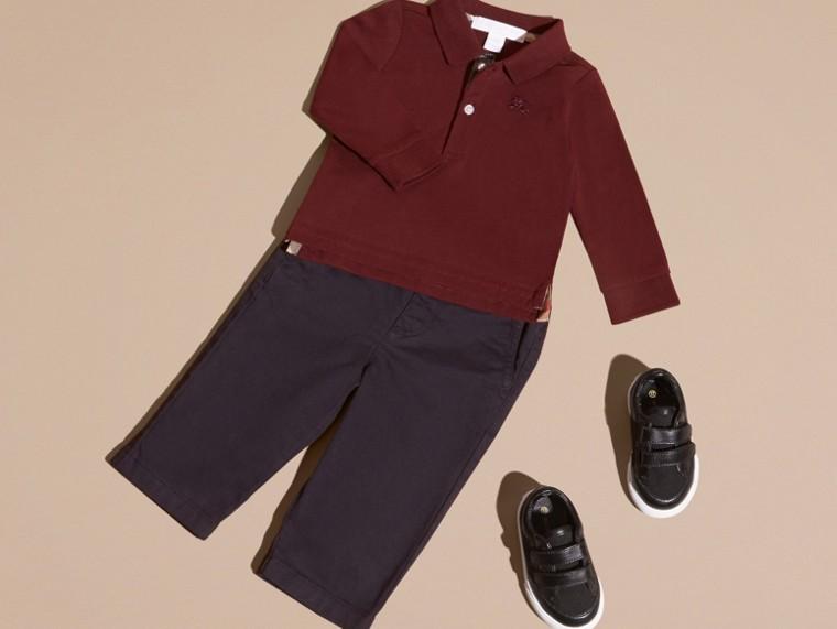 Rouge bourgogne Polo à manches longues en coton avec éléments check Rouge Bourgogne - cell image 4