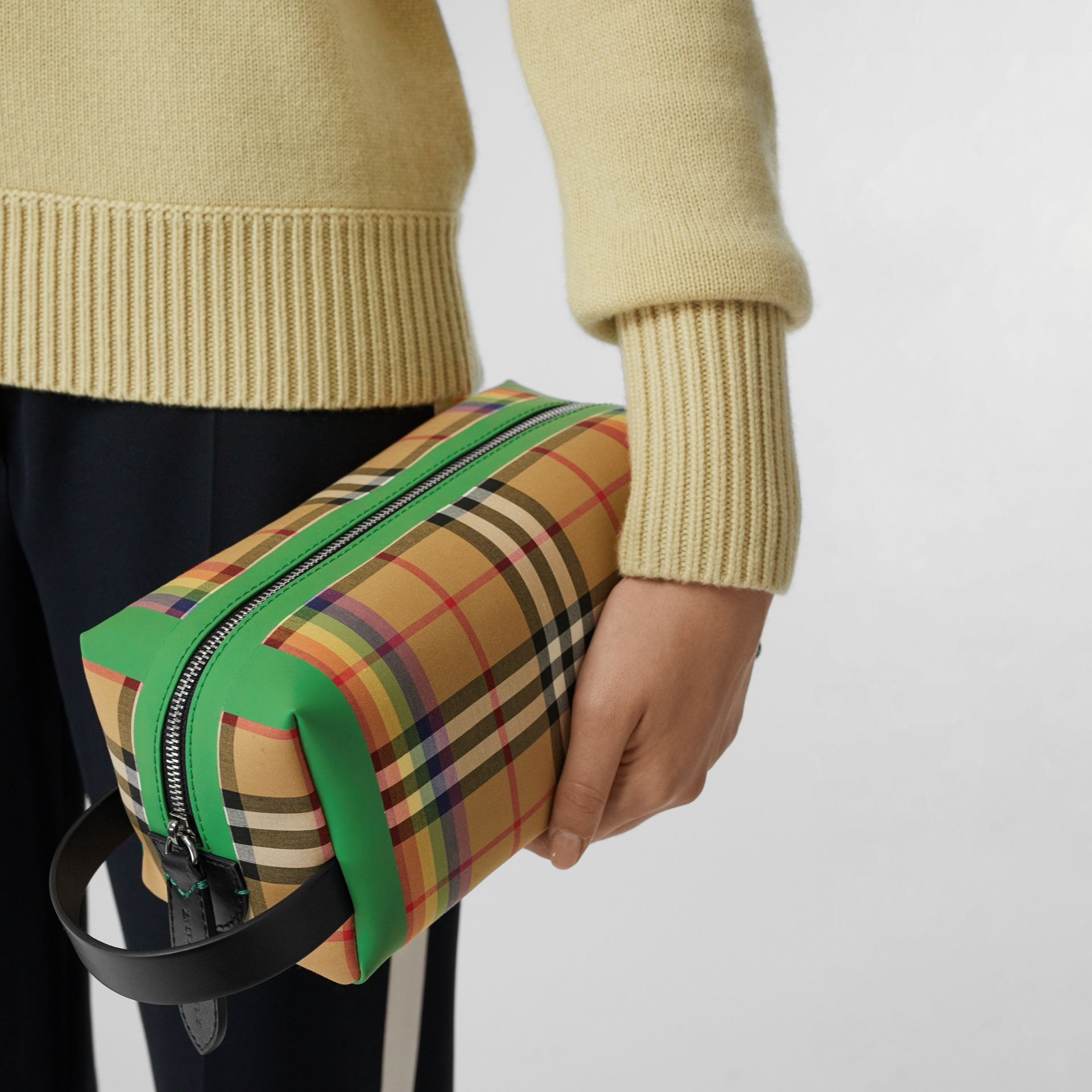 Rainbow Vintage Check Cotton Pouch in Antique Yellow - Women | Burberry United Kingdom - gallery image 3