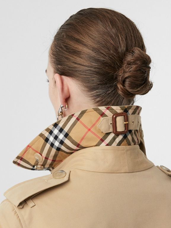 The Kensington Heritage Trench Coat in Honey - Women | Burberry United Kingdom - cell image 1