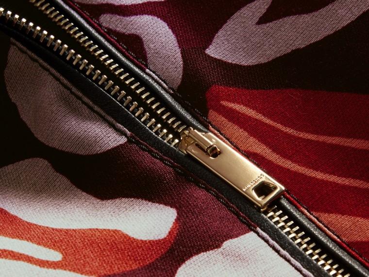 Bourgogne intense Robe trapèze en coton et laine mélangés à imprimé floral - cell image 1