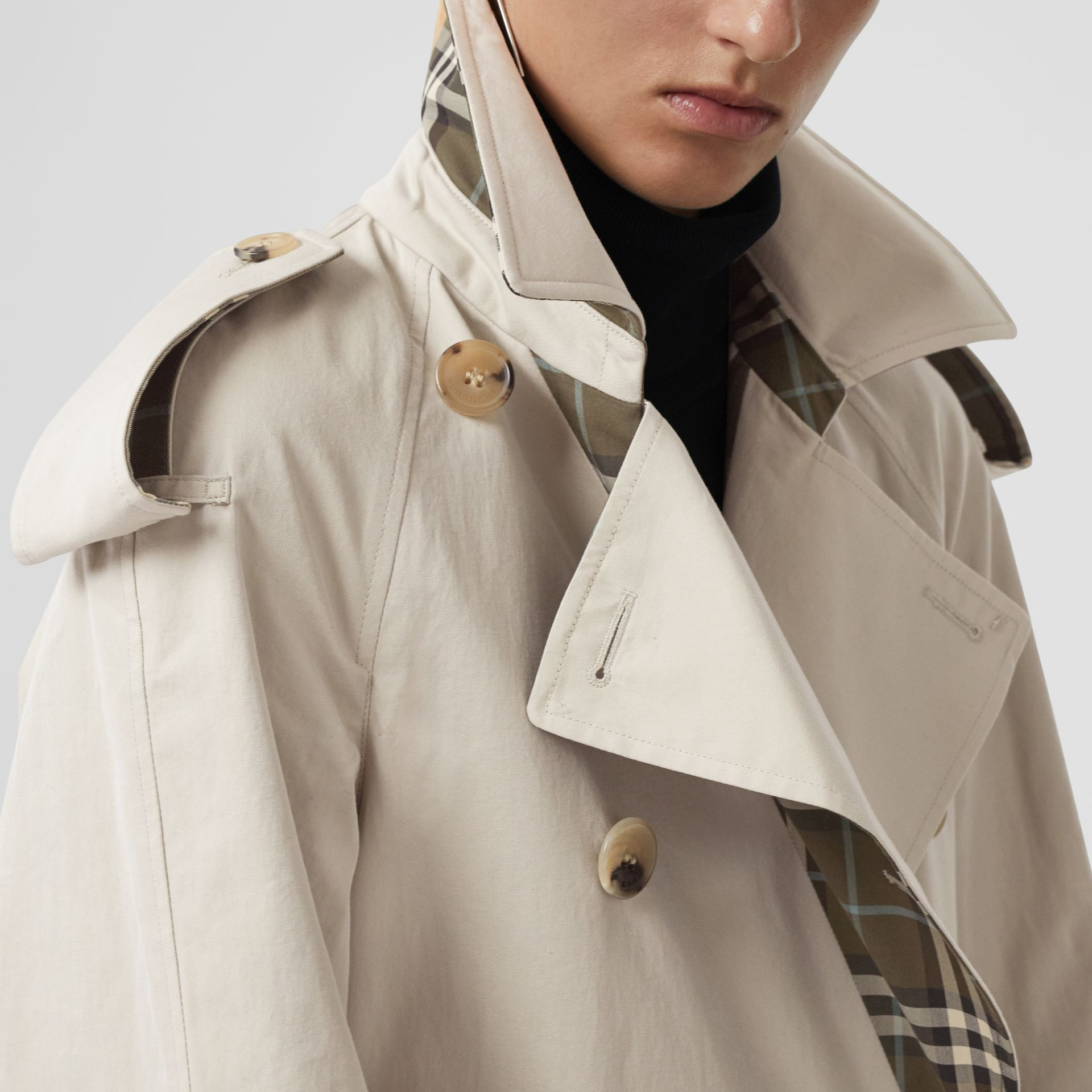 Reversible Tropical Gabardine and Check Trench Coat in Olive Green - Women | Burberry - gallery image 4