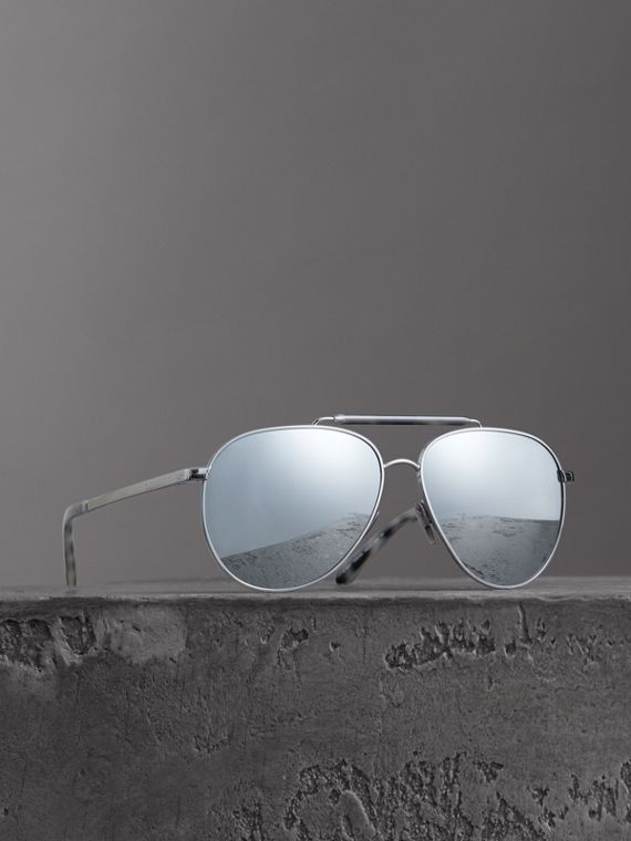Top Bar Detail Pilot Sunglasses in Grey