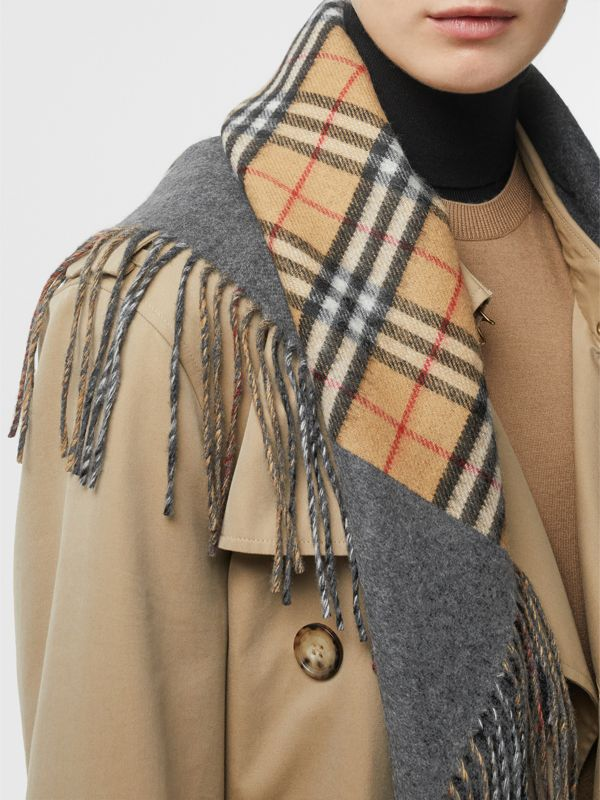 The Burberry Bandana in Vintage Check Cashmere in Pewter Grey | Burberry Australia - cell image 2