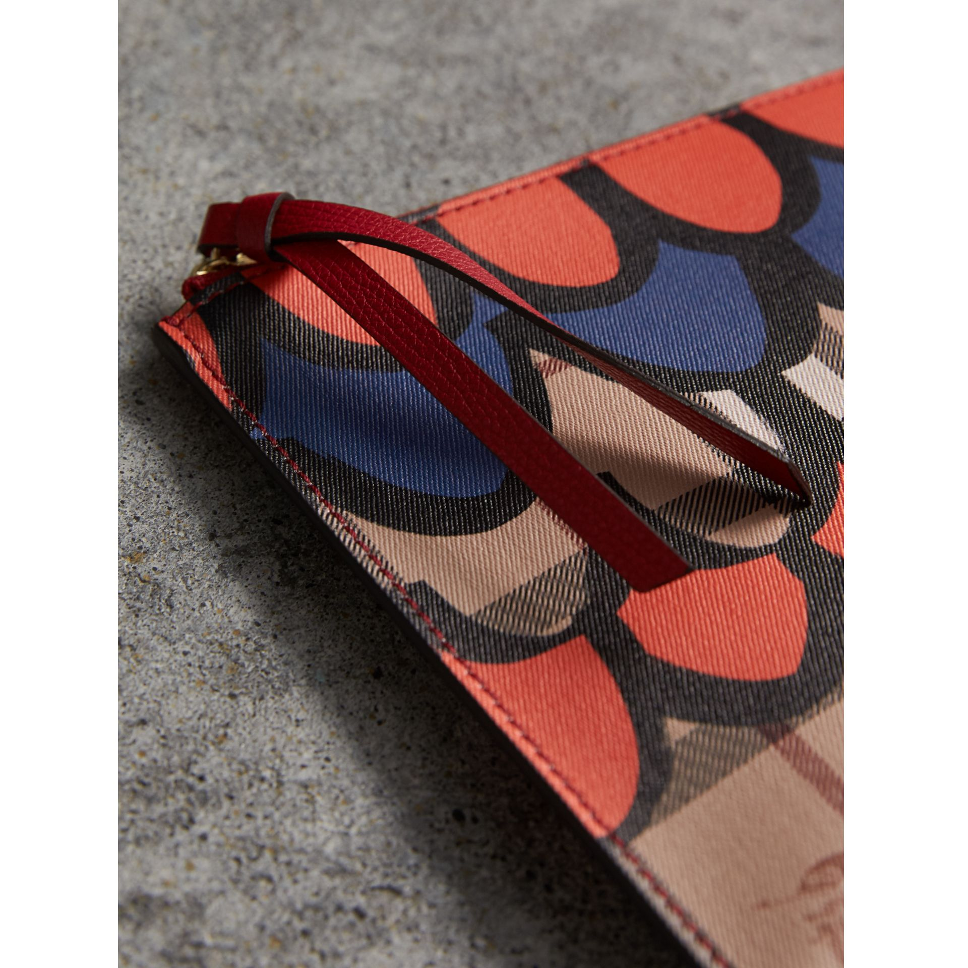 Scallop Print Haymarket Check and Leather Pouch in Poppy Red - Women | Burberry Canada - gallery image 2