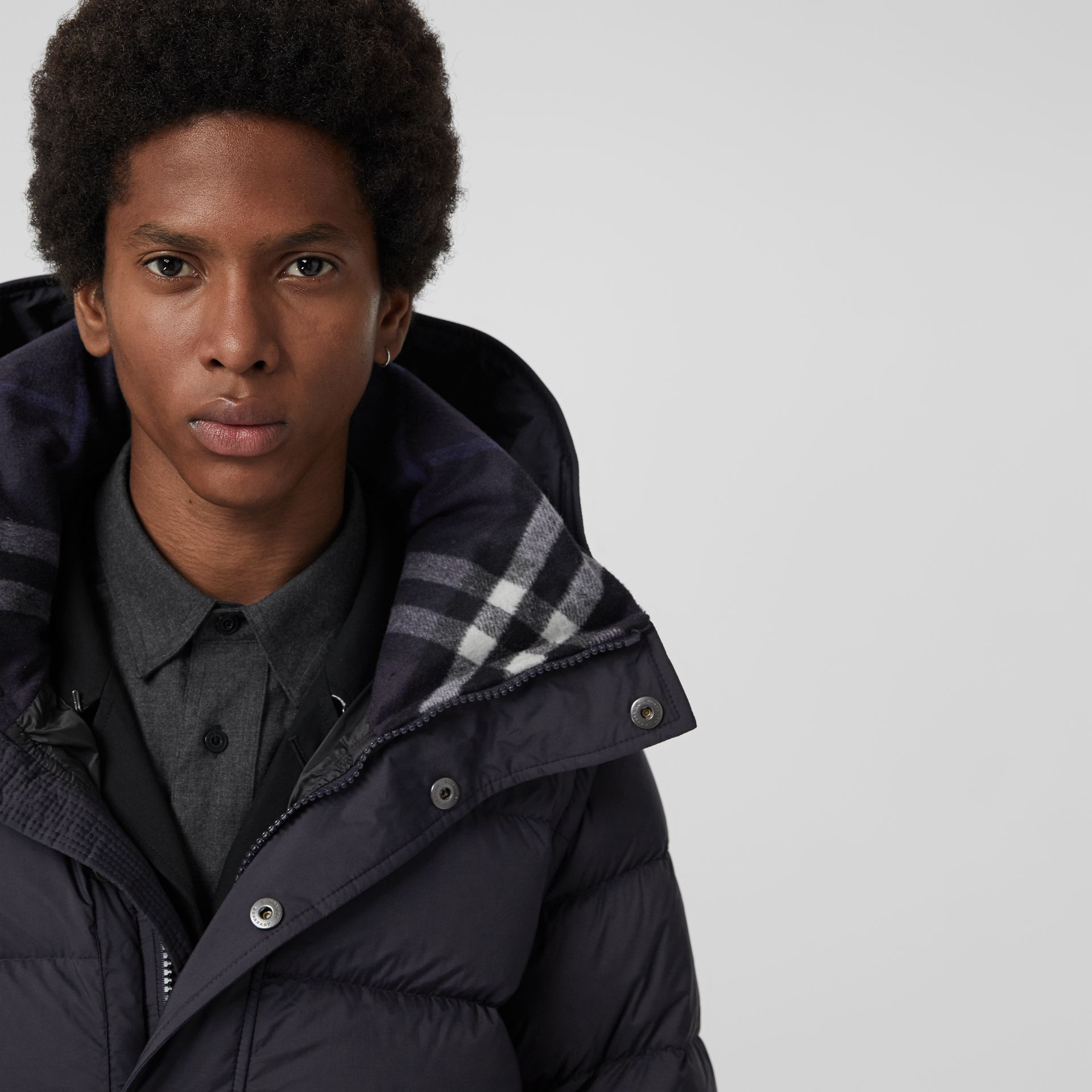 Detachable-sleeve Down-filled Hooded Puffer Jacket in Navy - Men | Burberry Australia - gallery image 4