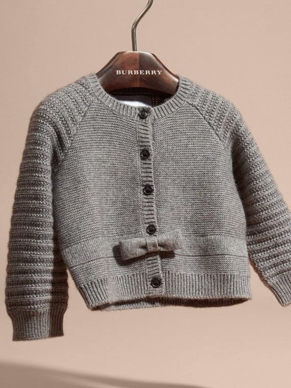 Camaïeu de gris moyens Cardigan en coton et cachemire multi-points - cell image 2