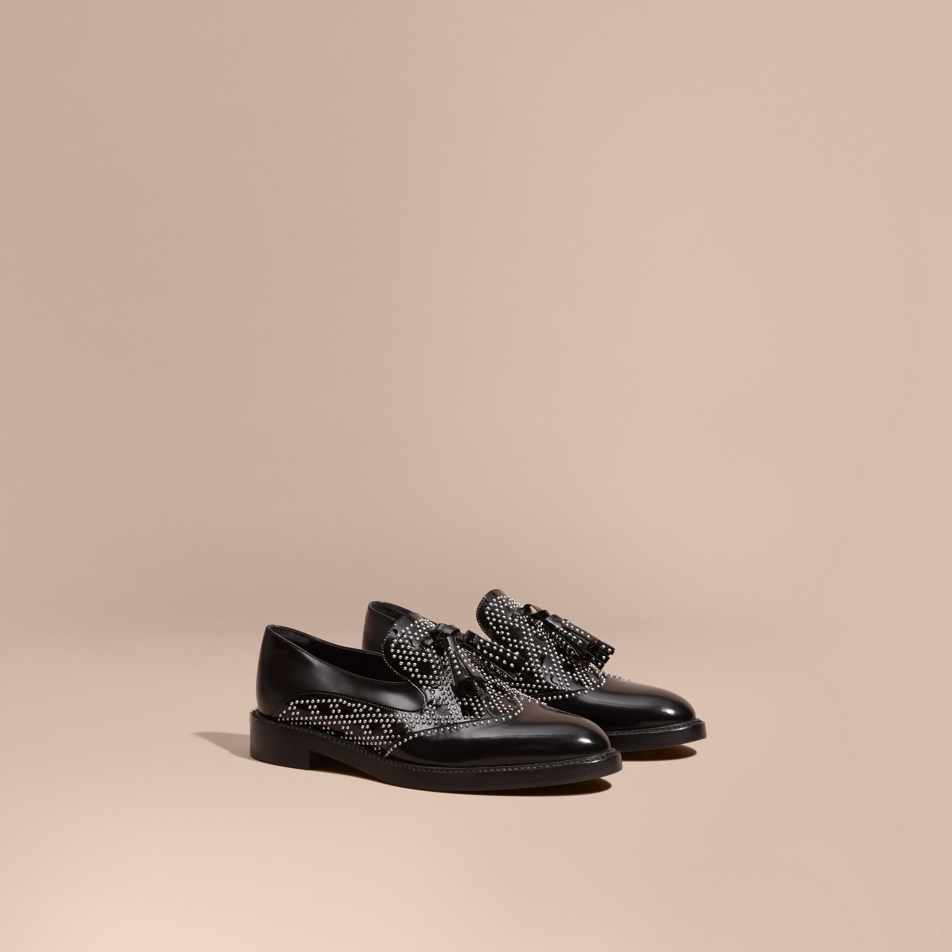 Nero Mocassini in pelle con borchie e nappe - immagine della galleria 1