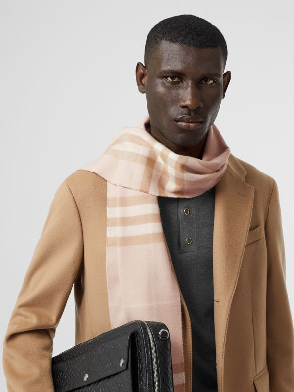 The Classic Check Cashmere Scarf in Blush | Burberry - cell image 3