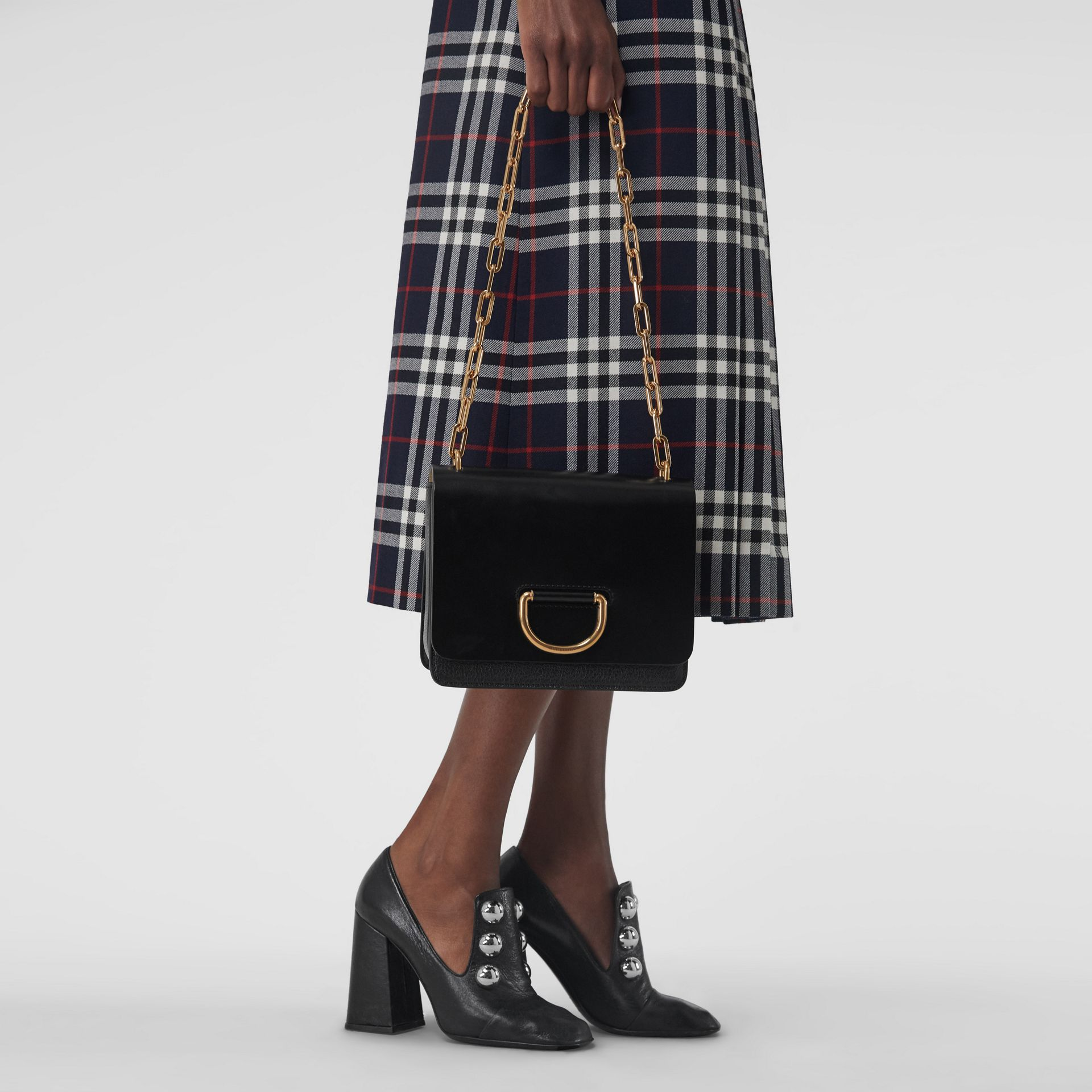 The Small Leather D-ring Bag in Black - Women | Burberry United Kingdom - gallery image 3