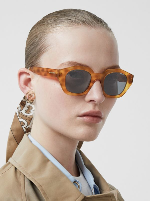 Geometric Frame Sunglasses in Tortoiseshell Amber - Women | Burberry Singapore - cell image 2