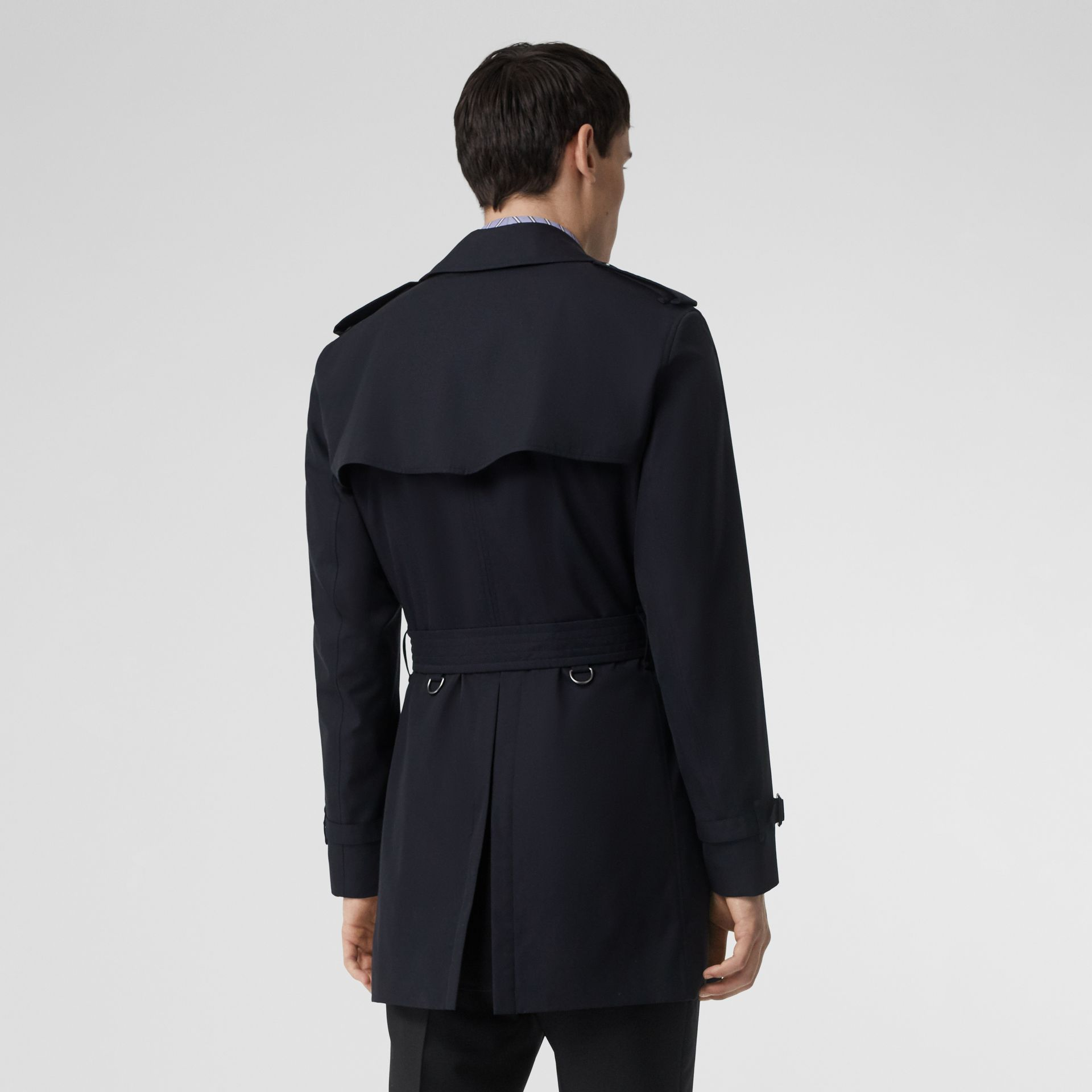 Short Chelsea Fit Trench Coat in Midnight Navy - Men | Burberry United Kingdom - gallery image 2