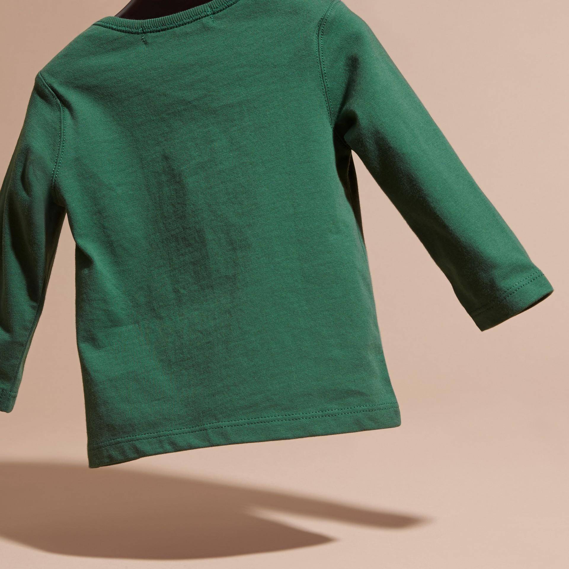 Verde foresta T-shirt a maniche lunghe con tasca con motivo check Verde Foresta - immagine della galleria 4