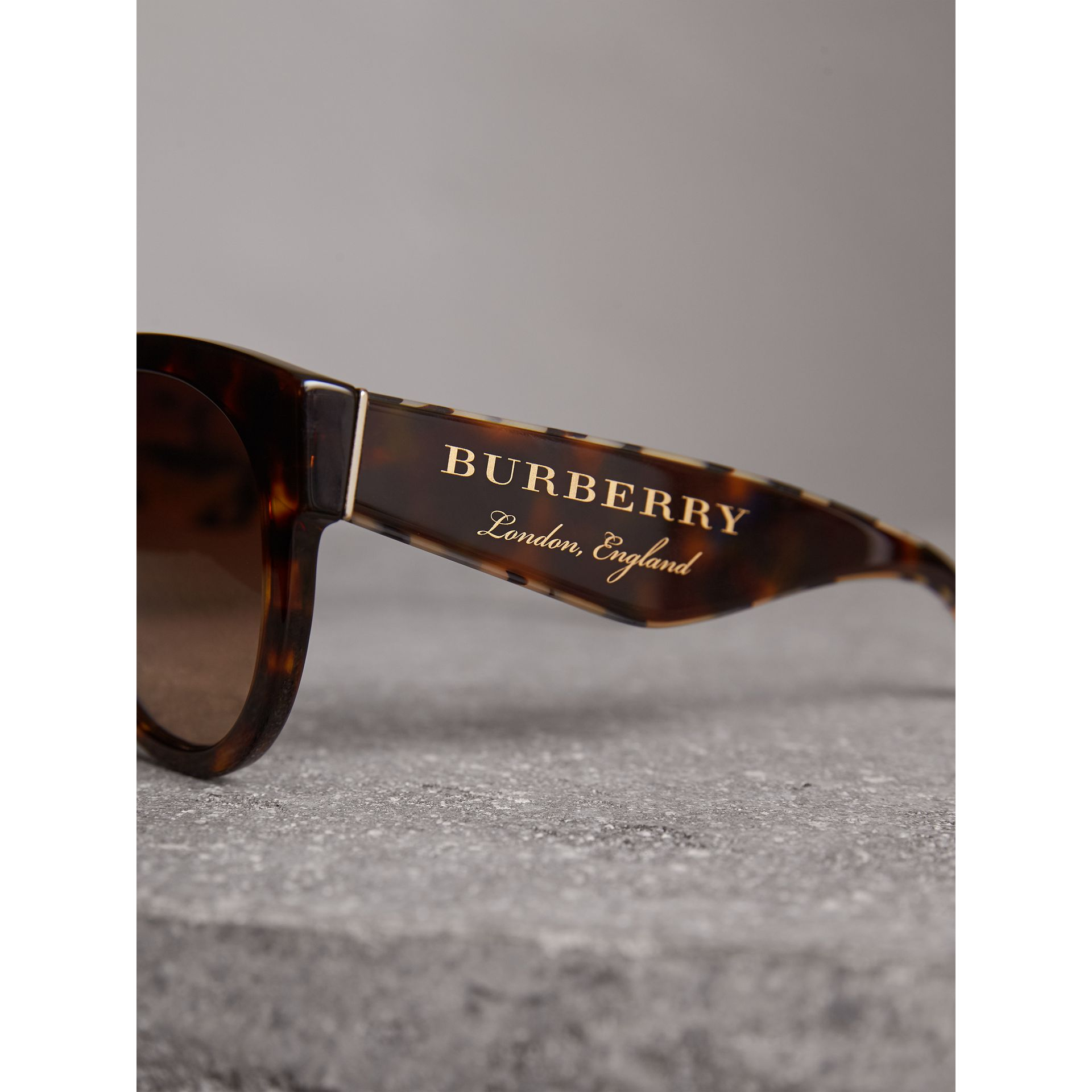 Round Frame Sunglasses in Tortoise Shell - Women | Burberry Canada - gallery image 1