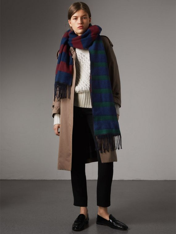 Colour-block Striped Wool Cashmere Scarf in Claret/navy | Burberry Hong Kong - cell image 2