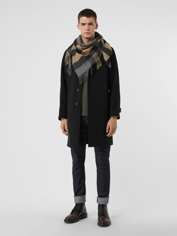 The Burberry Bandana in Check Cashmere in Mid Grey | Burberry Australia - cell image 3