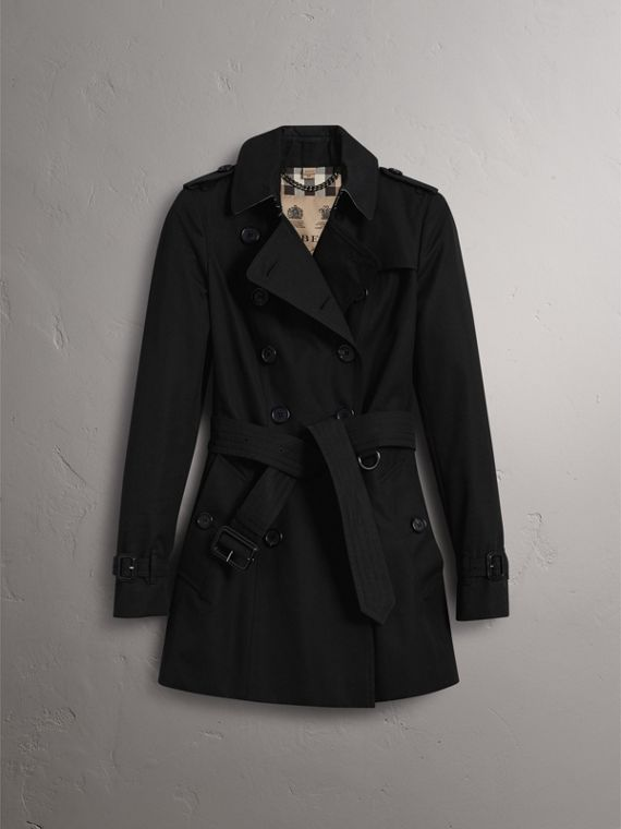 The Chelsea – Short Trench Coat in Black - Women | Burberry - cell image 3
