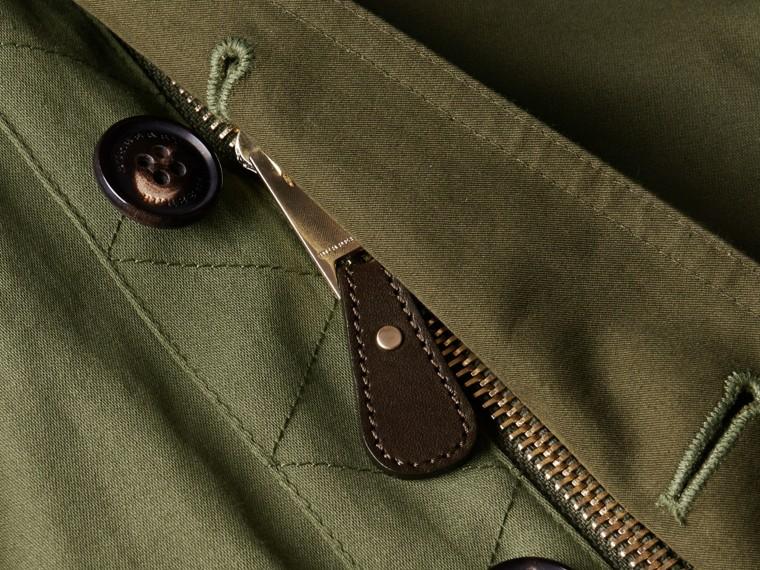 Verde oliva Jaqueta estilo militar de algodão com capuz - cell image 1