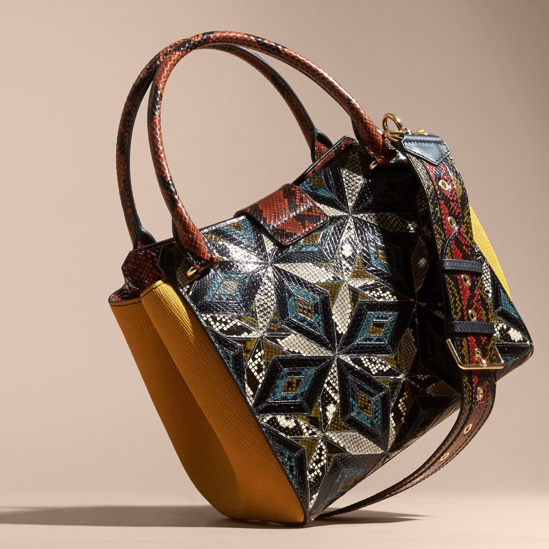 The Medium Buckle Tote in Tiled Snakeskin in Mineral Blue - Women | Burberry Hong Kong - gallery image 4