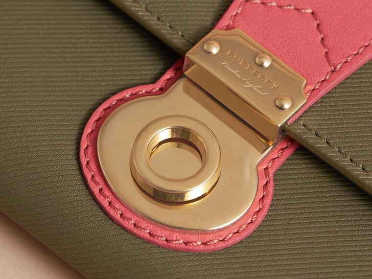 Two-tone Trench Leather Continental Wallet in Moss Green/ Blossom Pink - Women | Burberry Australia - cell image 1