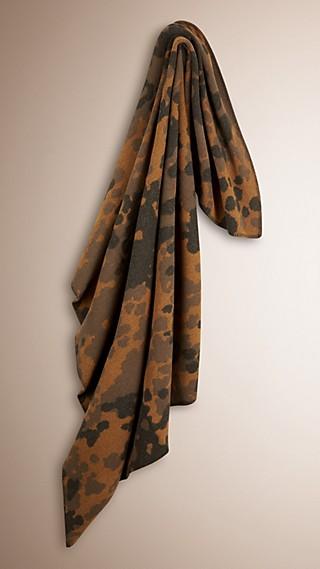 Couverture en laine et cachemire avec motif camouflage en jacquard