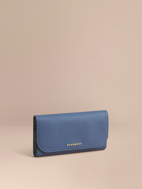Two-tone Leather Continental Wallet and Coin Case in Steel Blue/multi