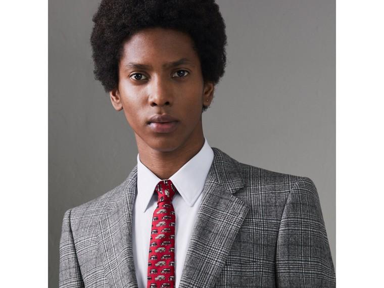 Cravate fine en soie avec imprimé taxi (Rose Carmin) - Homme | Burberry Canada - cell image 2