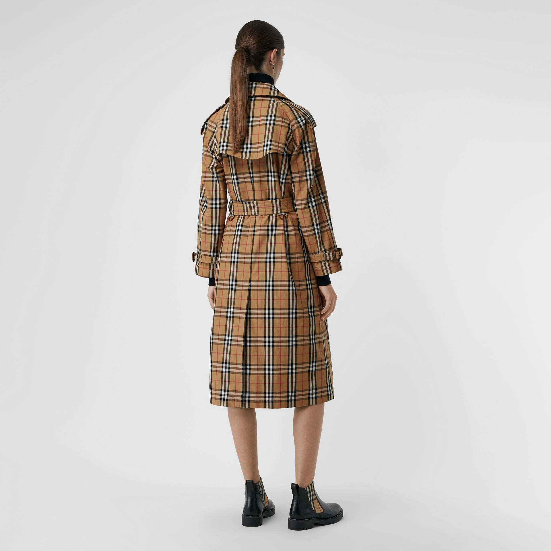 Vintage Check Cotton Trench Coat in Antique Yellow - Women | Burberry Singapore - gallery image 2