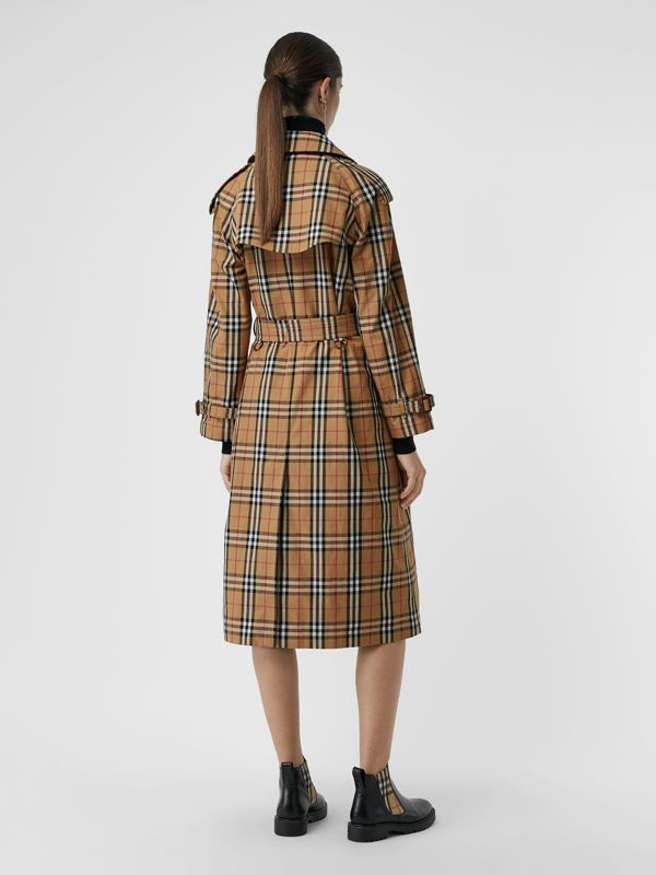 Trench coat in cotone laminato con motivo Vintage check (Giallo Antico) - Donna | Burberry - cell image 2
