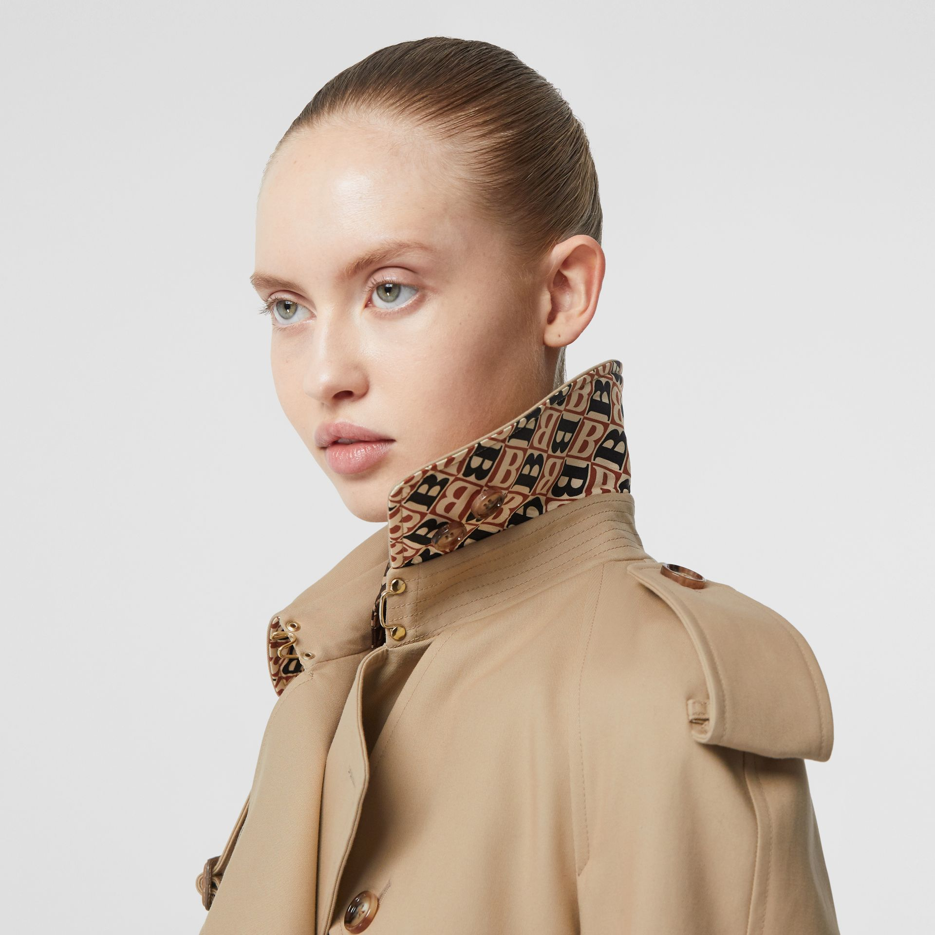 Archive Print-lined Cotton Gabardine Trench Coat in Honey - Women | Burberry Australia - gallery image 4