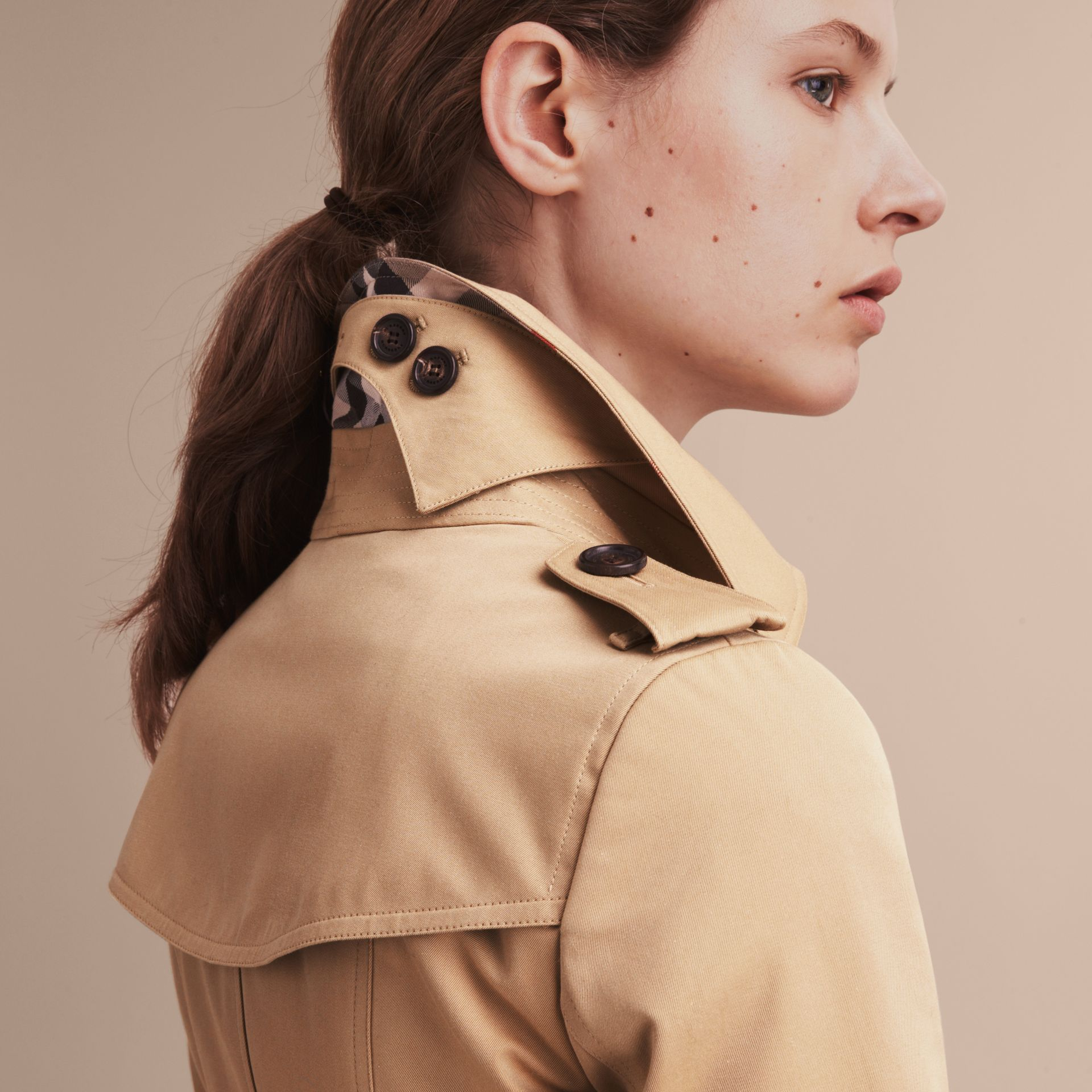 Honey The Chelsea – Short Heritage Trench Coat Honey - gallery image 6