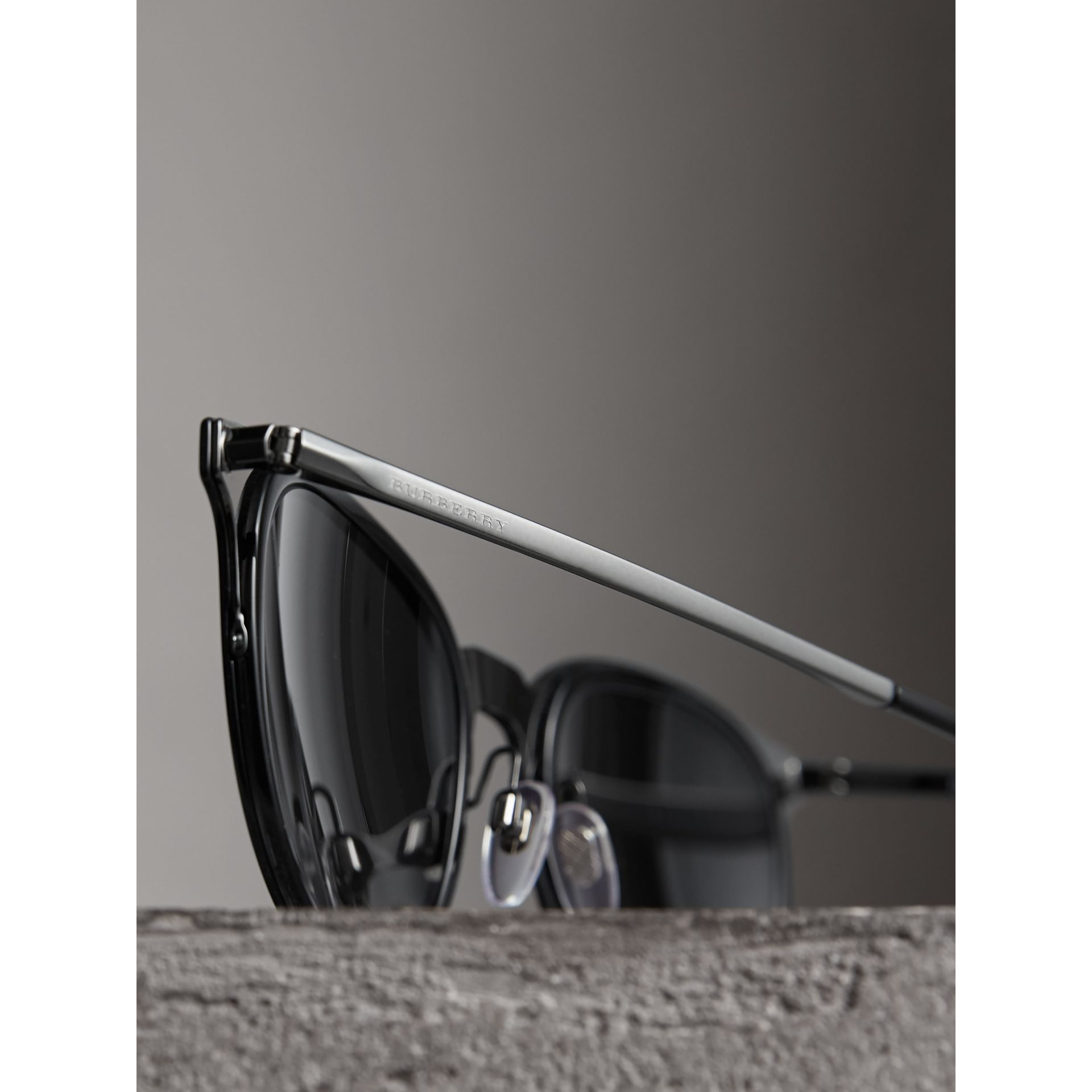 Round Frame Sunglasses in Black - Men | Burberry - gallery image 1
