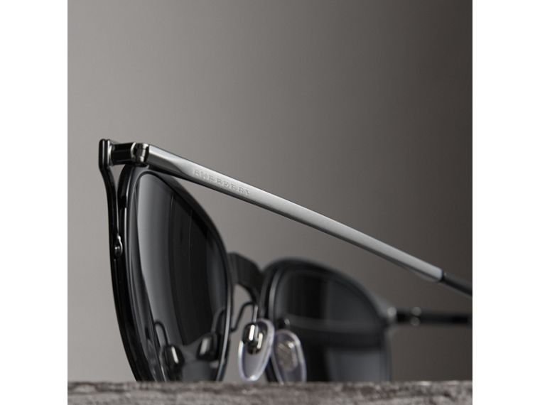 Round Frame Sunglasses in Black - Men | Burberry Australia - cell image 1