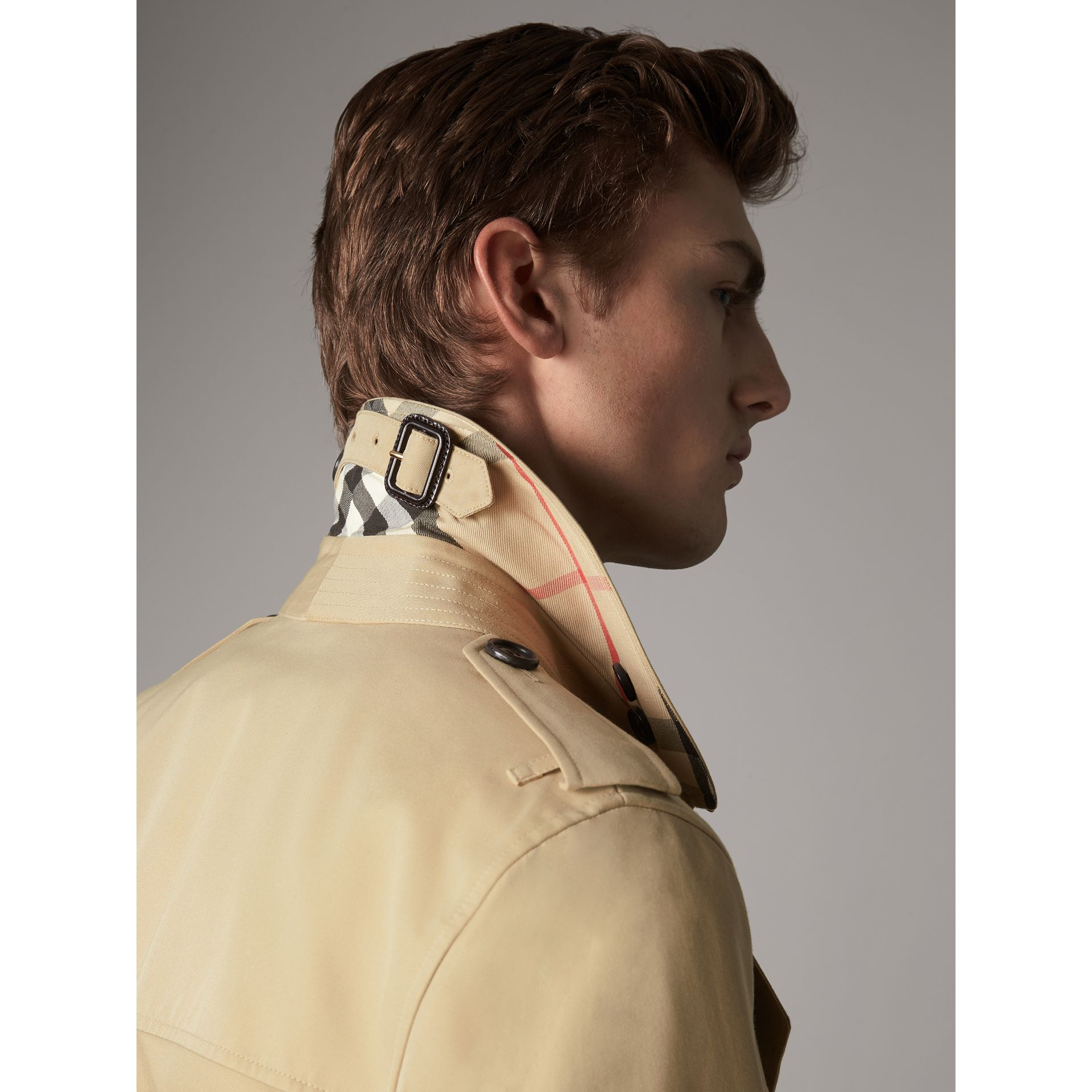 The Sandringham – Mid-length Heritage Trench Coat in Honey - Men | Burberry Canada - gallery image 2