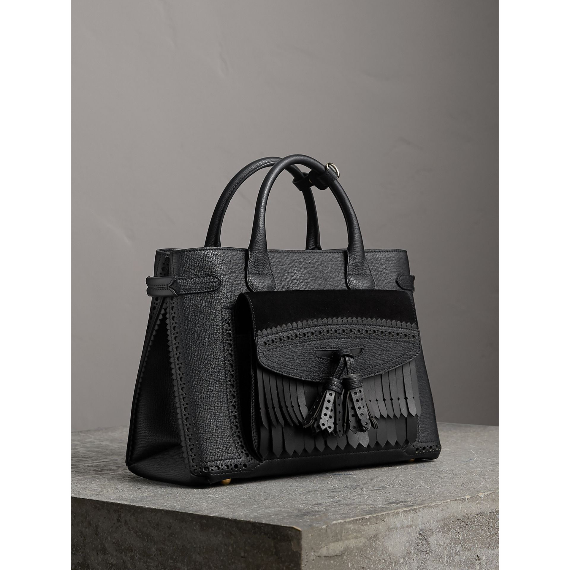Sac The Banner moyen de style richelieu (Noir) - Femme | Burberry Canada - photo de la galerie 0