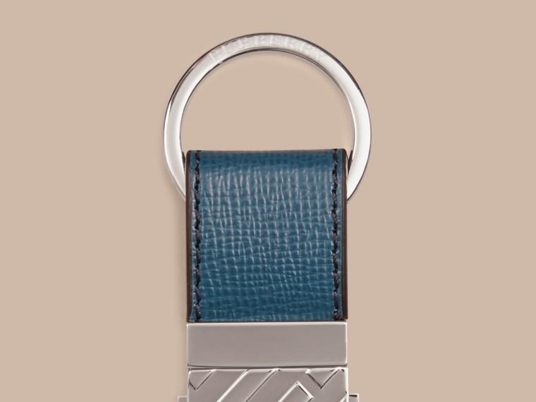 Голубой кварц Брелок для ключей из кожи London Голубой Кварц - cell image 1