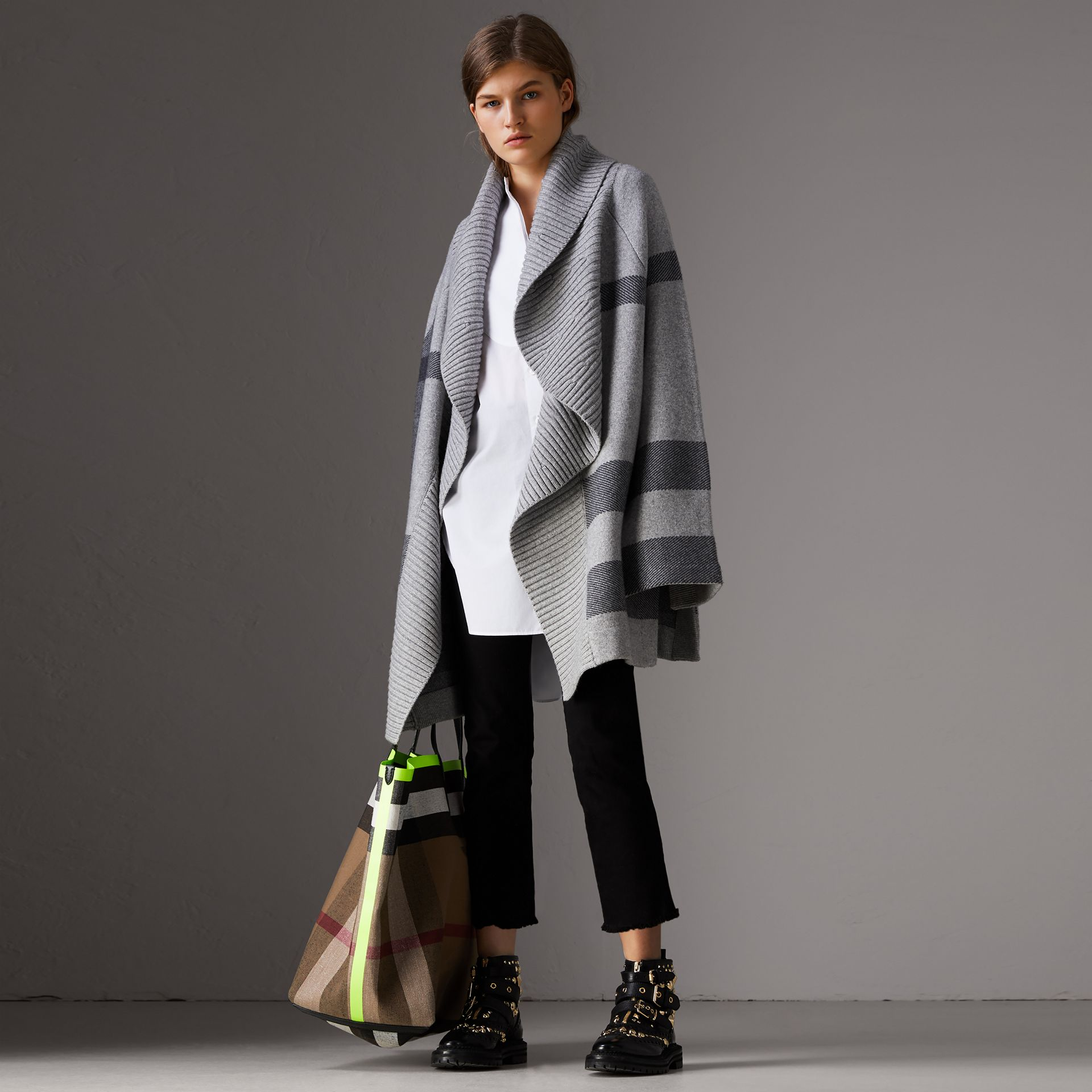 Check Wool Cashmere Blend Cardigan Coat in Pale Grey Melange - Women | Burberry - gallery image 4