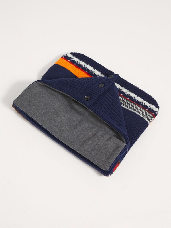 Pom-pom Fair Isle Wool Cashmere Baby Nest in Bright Navy | Burberry - cell image 2