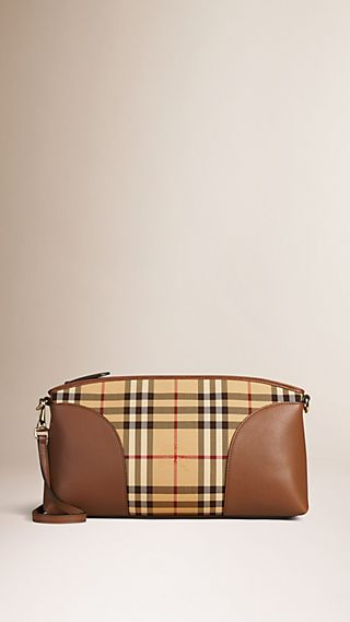 Clutch aus Leder mit Horseferry Check-Muster