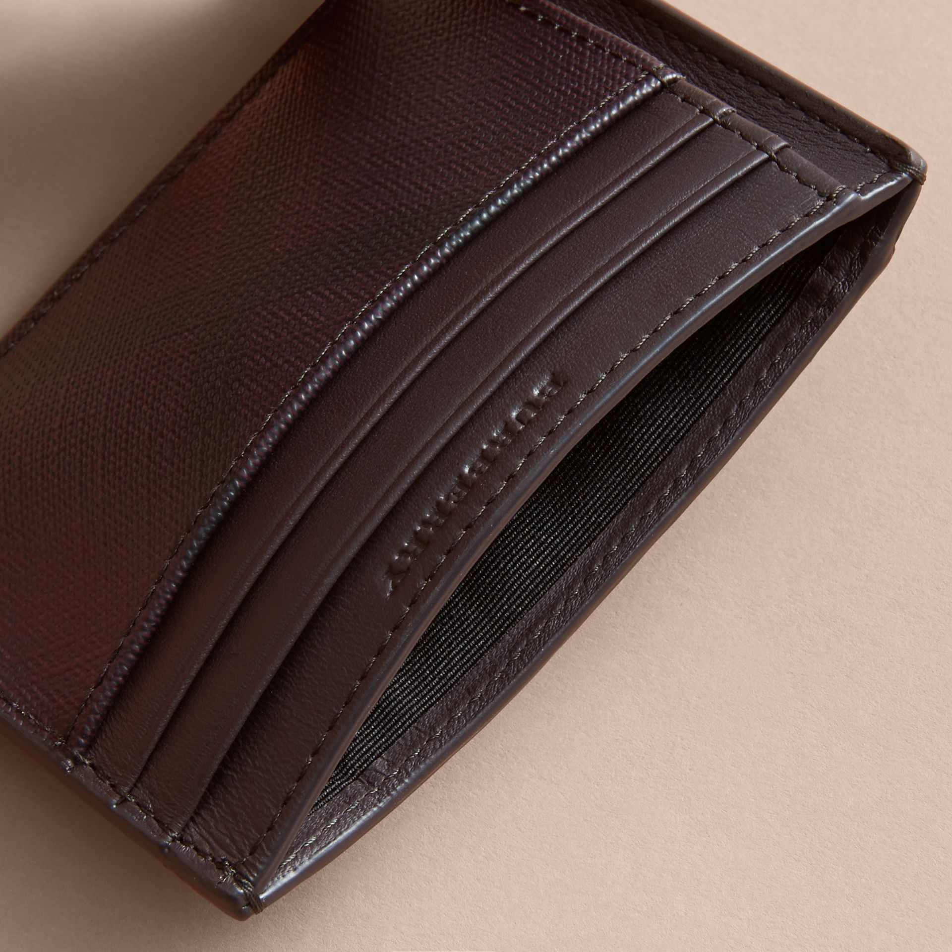 London Check Money Clip Card Case Deep Claret - gallery image 4
