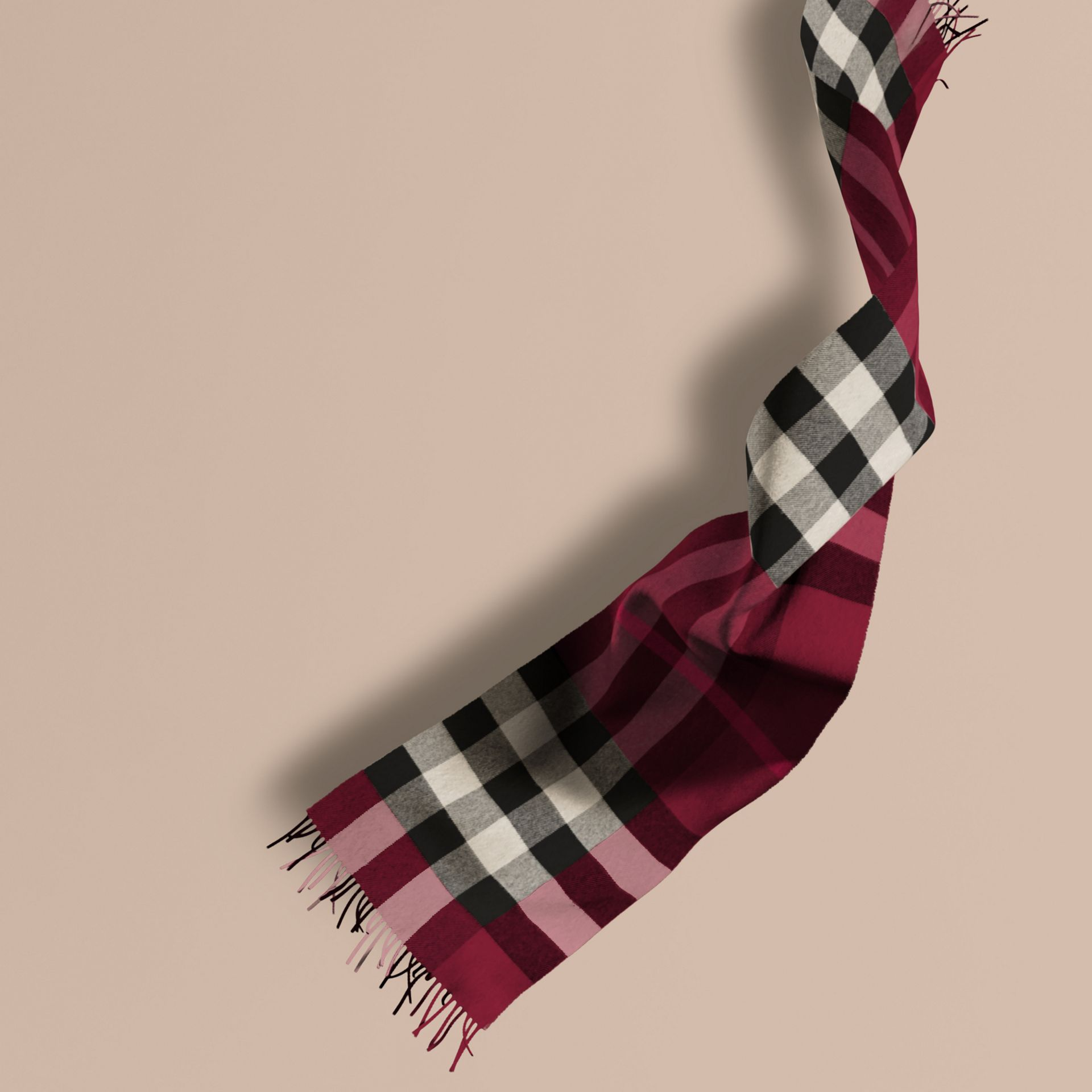 The Large Classic Cashmere Scarf in Check in Plum | Burberry - gallery image 0