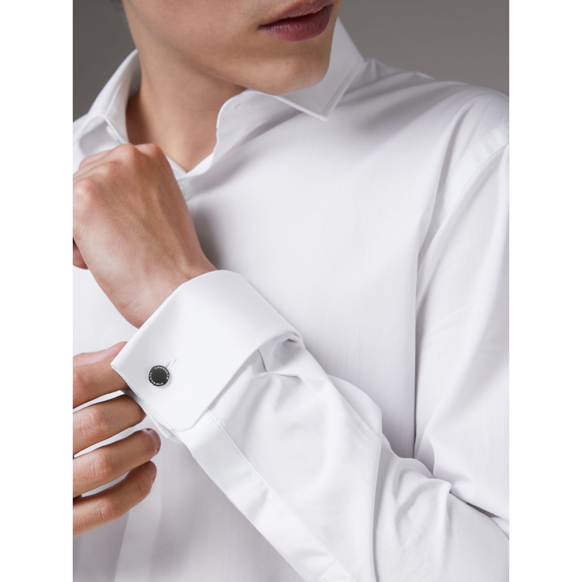 Slim Fit Double Cuff Cotton Poplin Shirt in White - Men | Burberry Hong Kong - gallery image 1