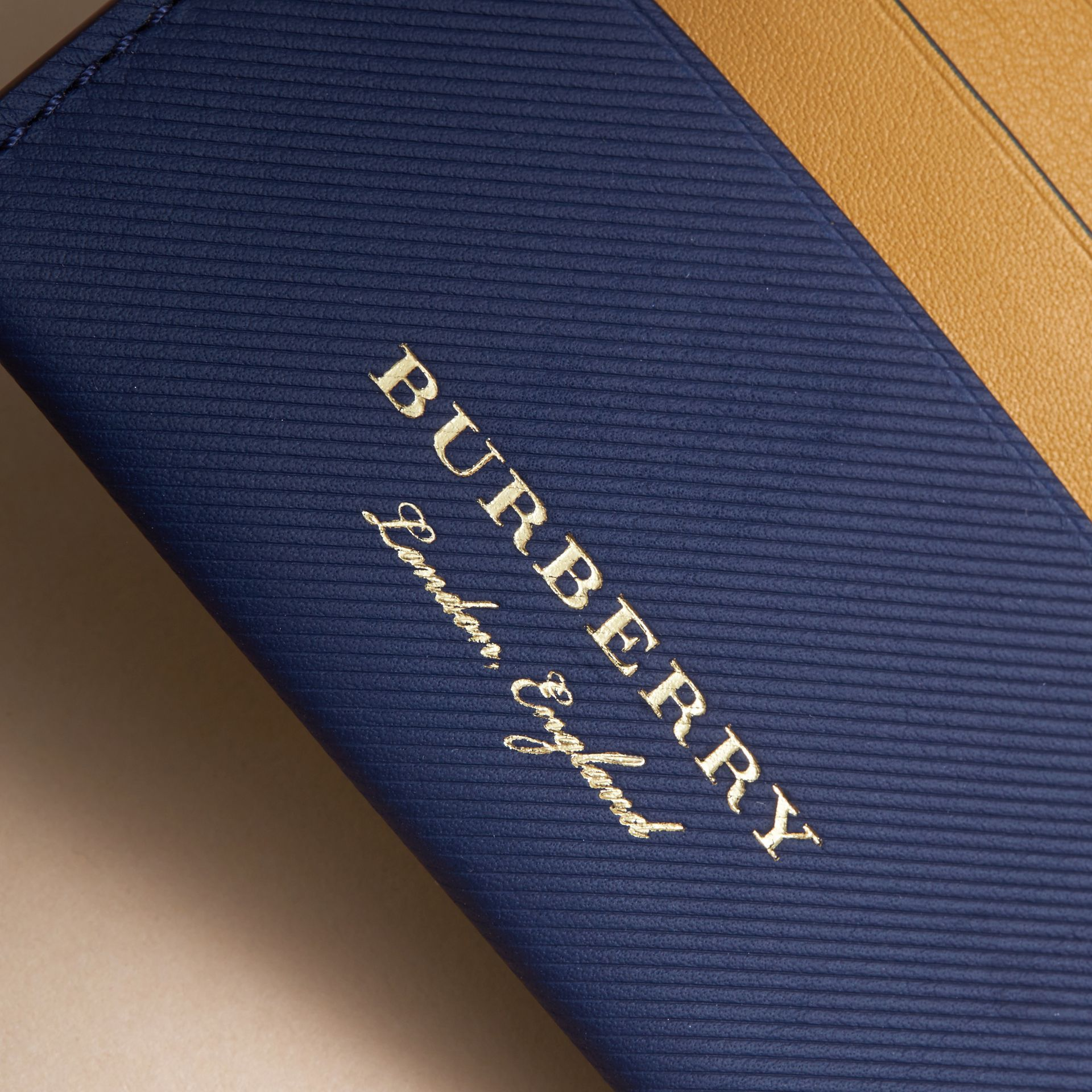 Two-tone Trench Leather Card Case in Ink Blue/ochre Yellow - Women | Burberry Canada - gallery image 2