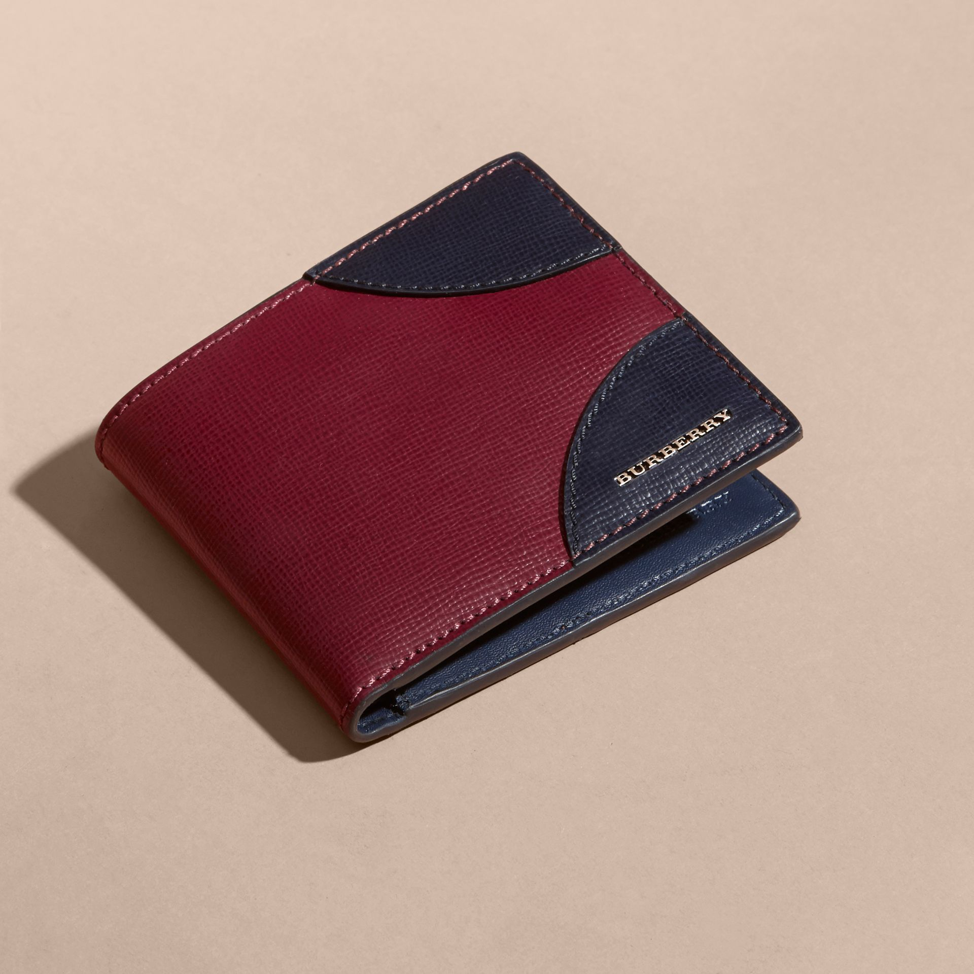 Two-tone London Leather International Bifold Wallet in Burgundy Red - gallery image 6