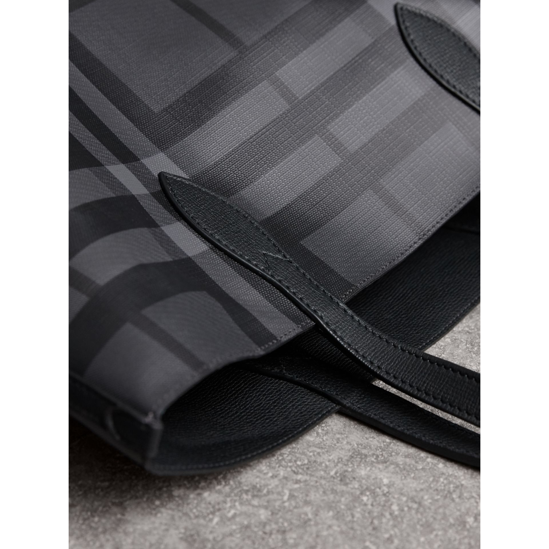 Medium London Check and Leather Tote in Charcoal/black - Men | Burberry - gallery image 4