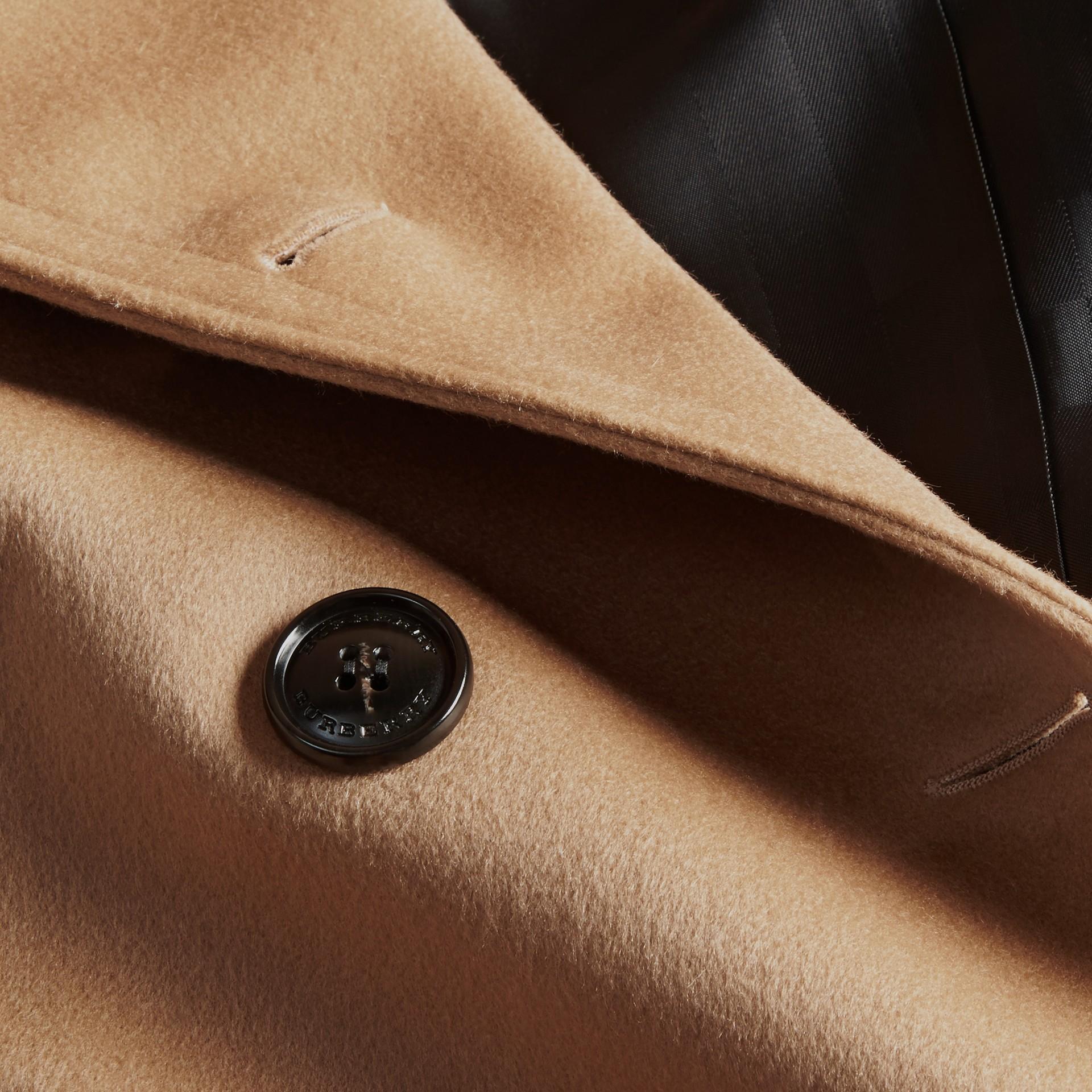 Cammello Trench coat a mantella in lana e cashmere - immagine della galleria 2