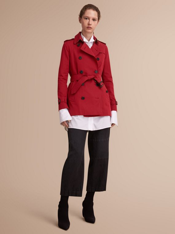 The Kensington – Short Heritage Trench Coat in Parade Red - Women | Burberry